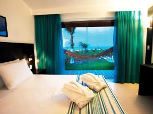 Royal Bora Bora (6 adults)