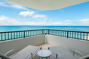 Tower Room Premier Oceanfront Suite