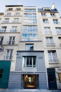 11 rue des Gravilliers, Paris, 75003, France.