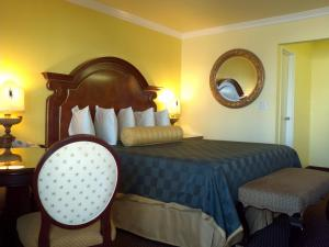 Photo of Desert Mirage Inn & Suites