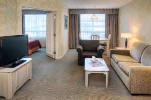 Quality Suites Laval room photos