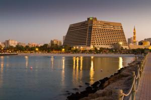 Курортный отель Radisson Blu Resort, Sharjah-United Arab Emirates, Шарджа