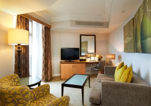 Mayfair Suite with Lounge Access