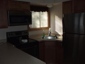 Two Bedroom with One Bathroom - Lakeside