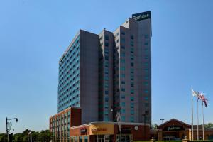Photo of Radisson Hotel & Suites Fallsview