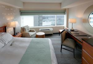 Riverview Tower Queen Room