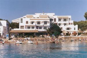 Photo of Apartamentos Playa Es Cana