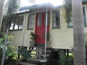 The Red Ginger Bungalow - Sunshine Coast, Queensland, Australia
