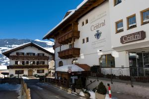 Hotel Pension Central - Pensionhotel - Hotels