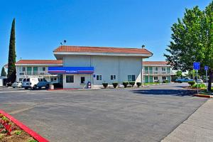 Motel 6 Sacramento North - Sacramento, CA CA 95842 - Photo Album