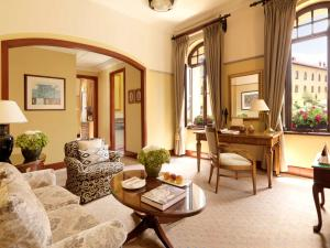 Four Seasons Executive Suite mit Kingsize-Bett
