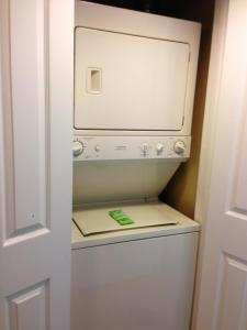 One-Bedroom Suite - Hearing Accessible/Non-Smoking