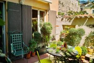 Home Sweet Home, Bed & Breakfasts  Lyon - big - 7
