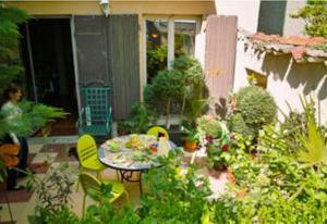 Home Sweet Home, Bed & Breakfasts  Lyon - big - 24