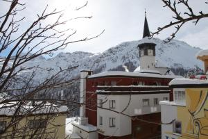 Photo of Mittendr Inn Arosa B&B