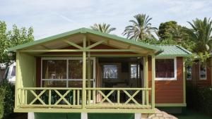 Two-Bedroom Bungalow (6 Adults)