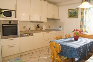 Apartments Mrakic