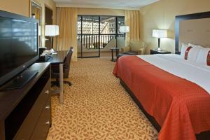 Holiday Inn Evansville Airport - Evansville, IN 47725 - Photo Album