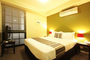 Photo of Harbour View Apartment Hotel