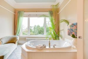 King Suite Spa with Garden View
