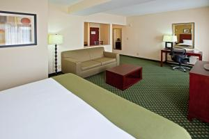 Holiday Inn Express Hotel & Suites Indianapolis - East, Hotels  Indianapolis - big - 5