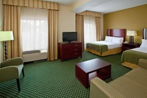 Holiday Inn Express Hotel & Suites Indianapolis - East, Hotels  Indianapolis - big - 7