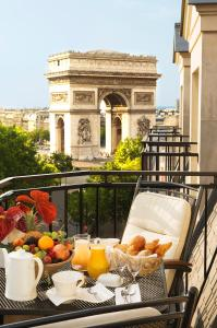 Radisson Blu Champs-Elysées, Paris: Overnatting på Hotell Paris – Pensionhotel - Hoteller