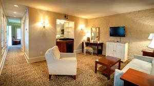 Dauphine Orleans Hotel - 16 of 26