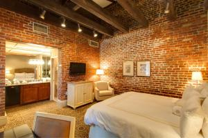 Dauphine Orleans Hotel - 23 of 26