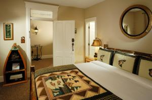 Deluxe King Room  - Fisherman's Cove