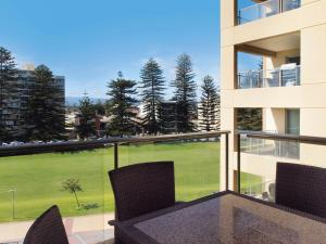 Two Bedroom Apartment with Park View