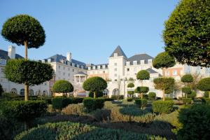 Dream Castle Hotel at Disneyland® Paris