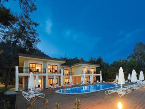 Photo of Marmaris Resort Deluxe Hotel