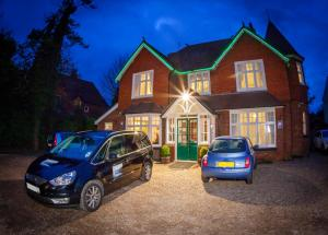 Gatwick Turret Guest House in Horley, Surrey, England