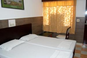 1 BR Guest house in Western Gate,, Agra (3257), by GuestHouser фото номерів