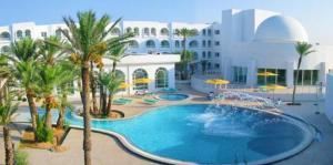 Photo of Hotel Les Sirenes Thalasso & Spa