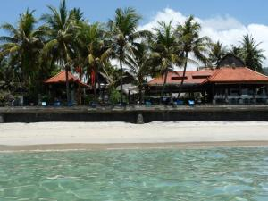 Photo of Anom Beach Hotel