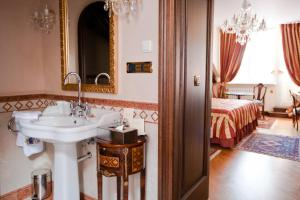 Alchymist Prague Castle Suites - 7 of 31