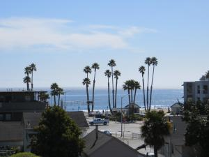 Beachview Inn - Santa Cruz, CA CA 95060 - Photo Album