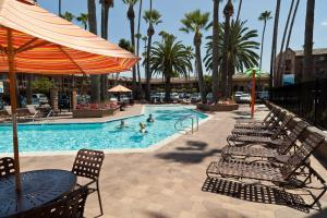 Ramada Maingate   At The Park Anaheim