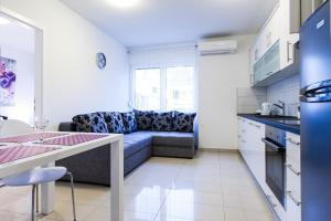 Апартамент Apartments Kalelarga, Задар