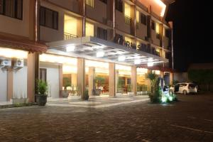 Photo of Mataram Square Hotel
