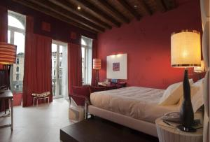 Juniorsuite Deluxe med utsikt over Canal Grande