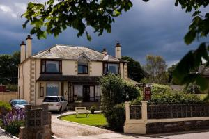 Wetherby Sea-View House Bed & Breakfast in Nairn, Highland, Scotland