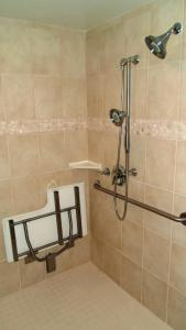 Twin Room- Disability Access Roll in Shower/Non-Smoking