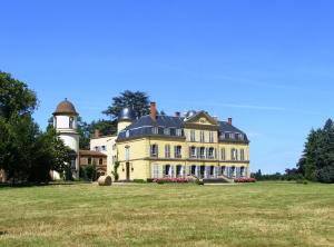 Le Chateau D`Ailly Bed And Breakfast
