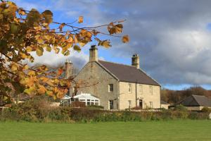 Thropton Demesne Farmhouse B&B in Rothbury, Northumberland, England