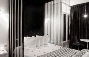 Superior Starred Cocoon Room