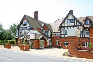 Brentwood Leisure Centre Hotels - De Rougemont Manor