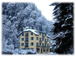 Photo of Hotel Des Lacs